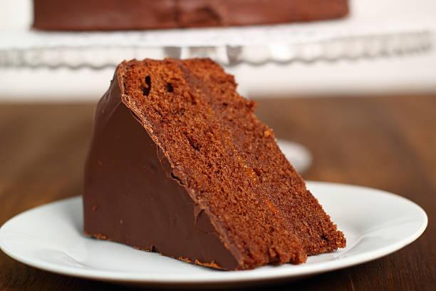schokoladentorte - schokoladen biskuitkuchen stock-fotos und bilder