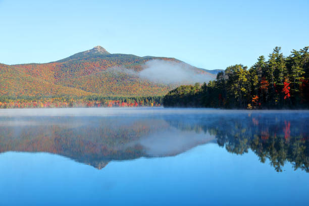 Chocorua Lake, New Hampshire Chocorua Lake is a picturesque lake in northeast New Hampshire with commanding views of the summit of Mount Chocorua white mountain national forest stock pictures, royalty-free photos & images