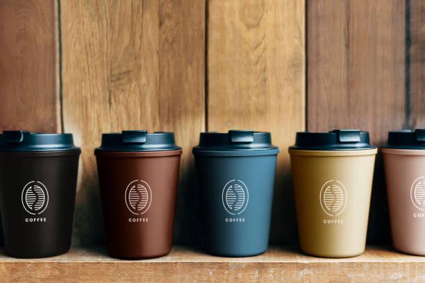 choice of reusable coffee mug mockups - riutilizzabile foto e immagini stock