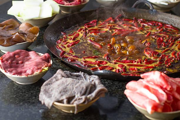 chongqing hot pot - pengpeng stock-fotos und bilder