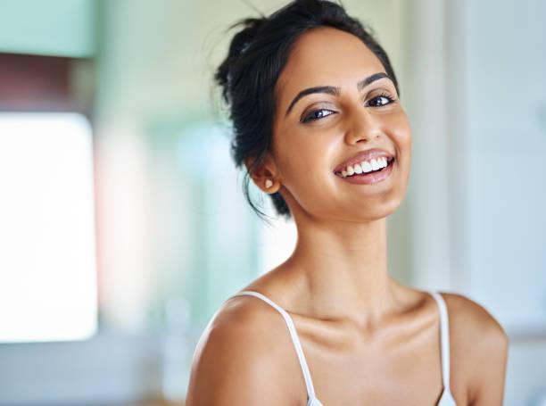 elige la positividad cada mañana - beautiful skin fotografías e imágenes de stock