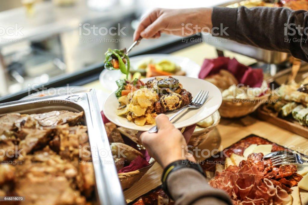 Auswahl an Speisen  – Foto