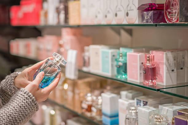 choosing the perfect scent - parfym bildbanksfoton och bilder