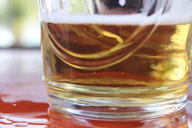 Chopp Gelado Um chopp gelado para matar a sede. gelado stock pictures, royalty-free photos & images