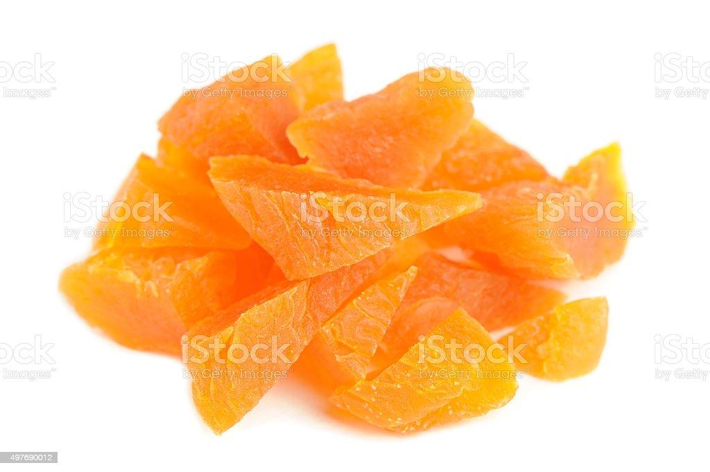 Haché des abricots isolé sur fond blanc - Photo