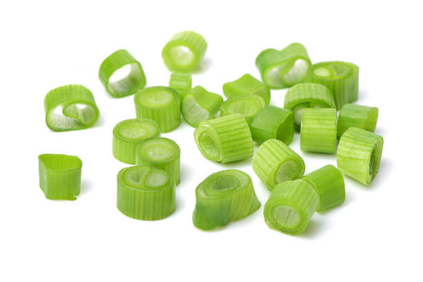 chopped green onions - bosui stockfoto's en -beelden