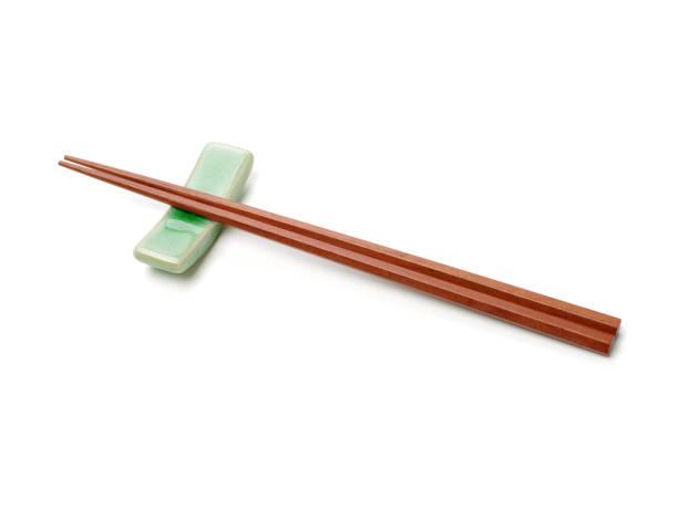 Chopsticks on white background – zdjęcie