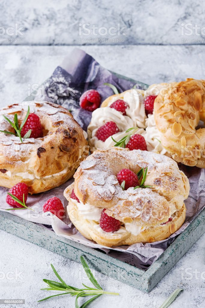 Choux cake Paris Brest with raspberries royalty-free 스톡 사진