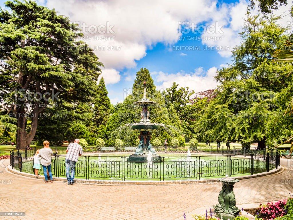 Christchurch, Nieuw-Zeeland, de Pauw fontein in Christchurch botanische tuinen. foto