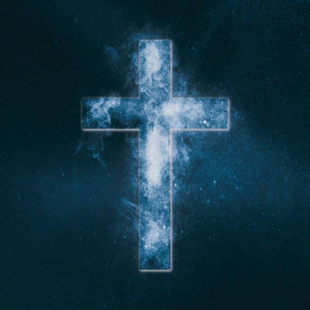 christliches kreuz-symbol. abstrakte nacht himmelshintergrund. - sterntaufe stock-fotos und bilder
