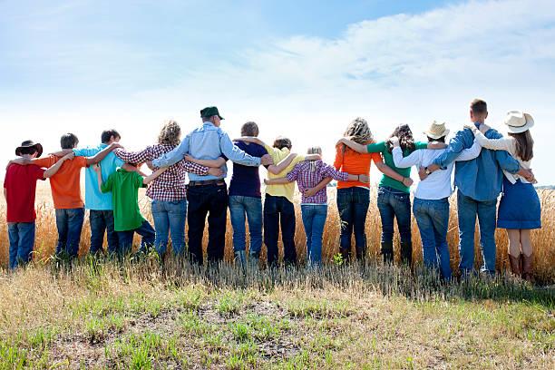 christian religiosa grupo familiar prays a deus grato recorte farm - cristianismo - fotografias e filmes do acervo