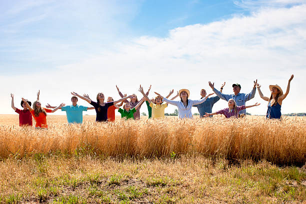 christliche religiöse gruppe worships gott dankbar spirituellen wheat - gott sei dank stock-fotos und bilder