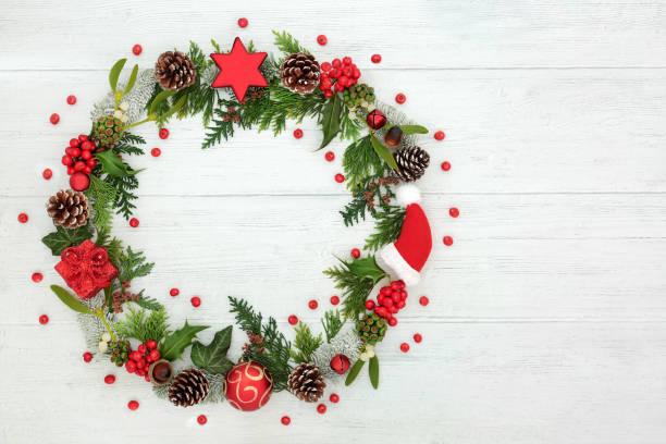 christmaas wreath decoration - christmaas imagens e fotografias de stock