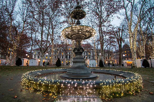 christmas advent, zagreb, croatia - adventgeschichte stock-fotos und bilder