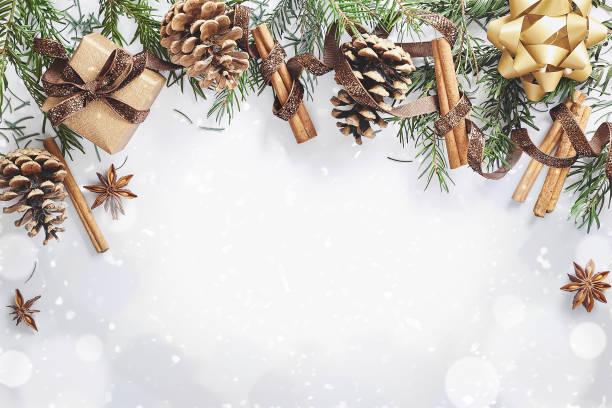 weihnachten und neujahr grenze karte - weihnachtskarte stock-fotos und bilder