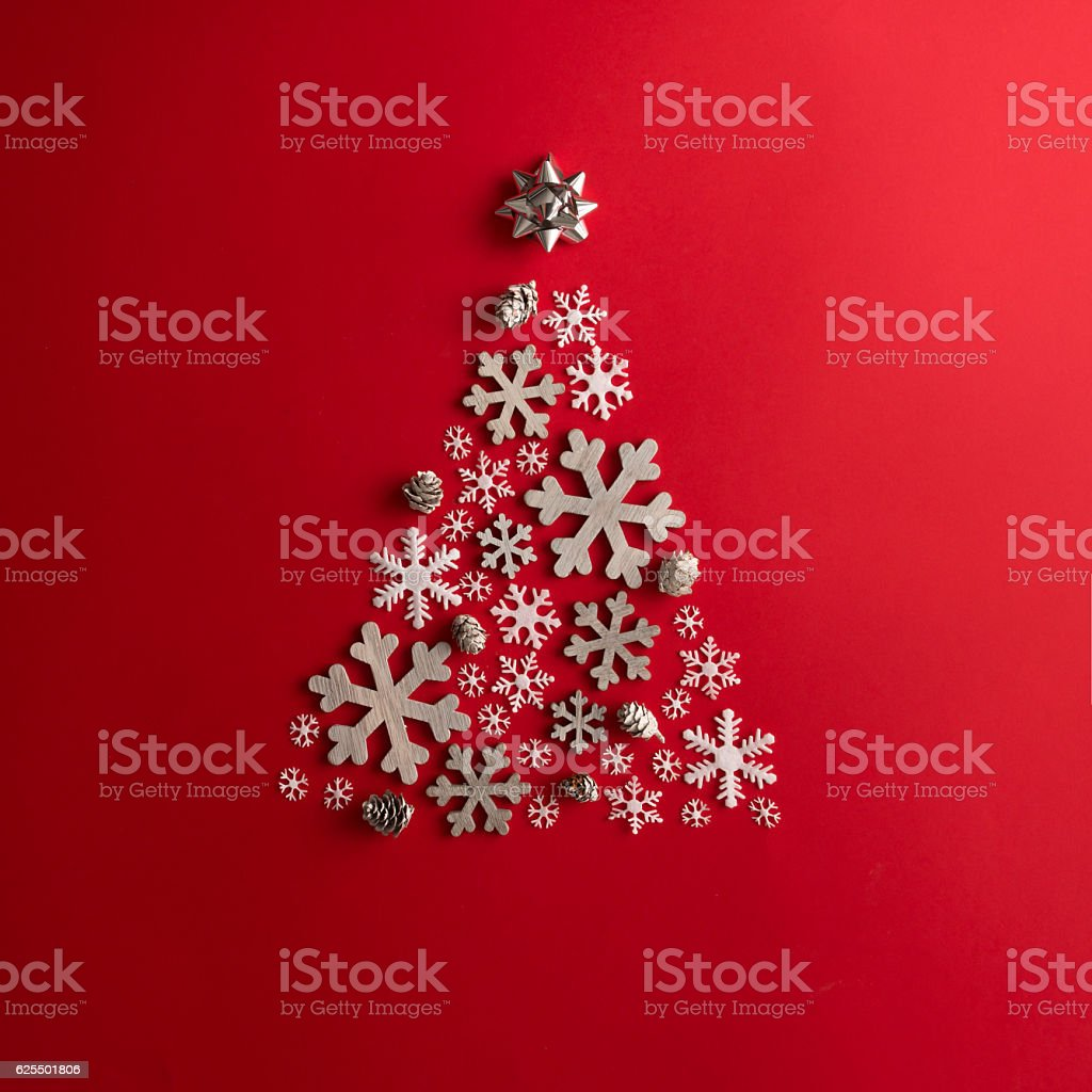 Christmas and New Years red background with Christmas Tree made – Foto