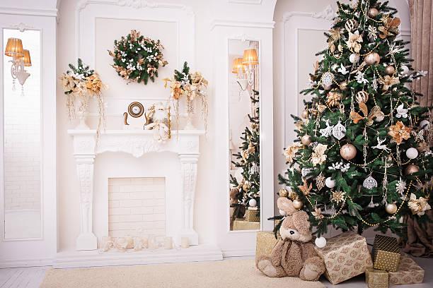 christmas background. new year interior design - kamin weiß stock-fotos und bilder