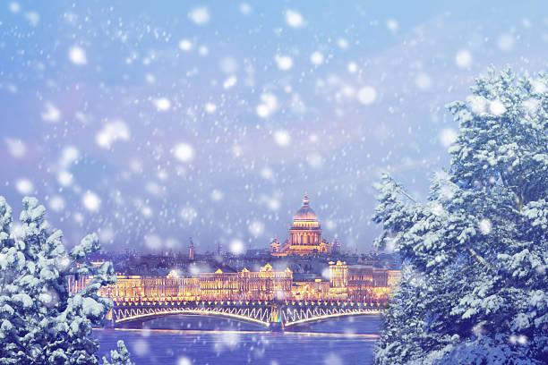 christmas background : saint petersburg at winter sunset in russia - sint petersburg rusland stockfoto's en -beelden