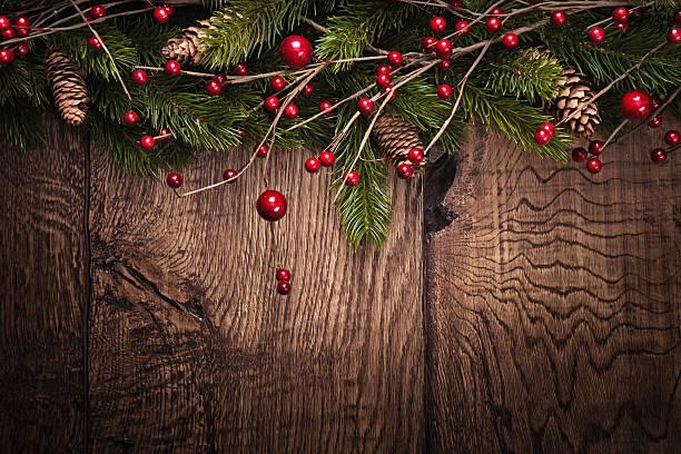 fondo de navidad con abeto ramas - arándano rojo fruta baya fotografías e imágenes de stock