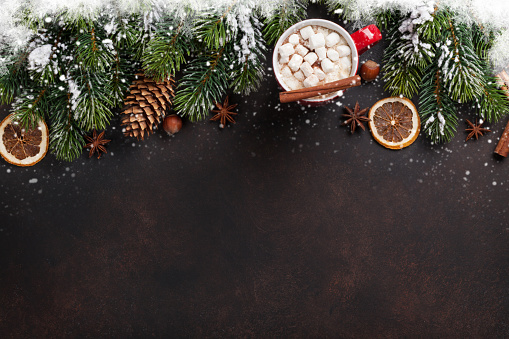 istock Christmas background with hot chocolate and marshmallow 622913504