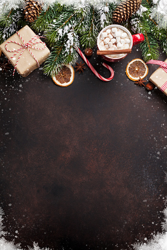 istock Christmas background with hot chocolate and marshmallow 622913590