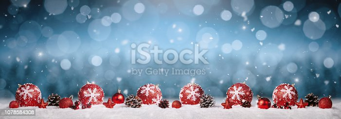 istock Christmas ball decoration 1078584308