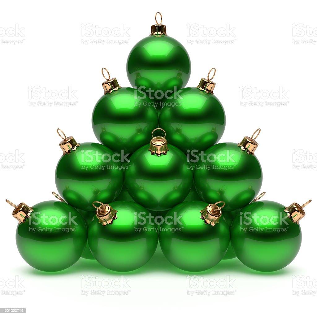7a1f4683565 Pirámide de bolas de Navidad verde de la víspera de Año Nuevo grupo bauble  foto de