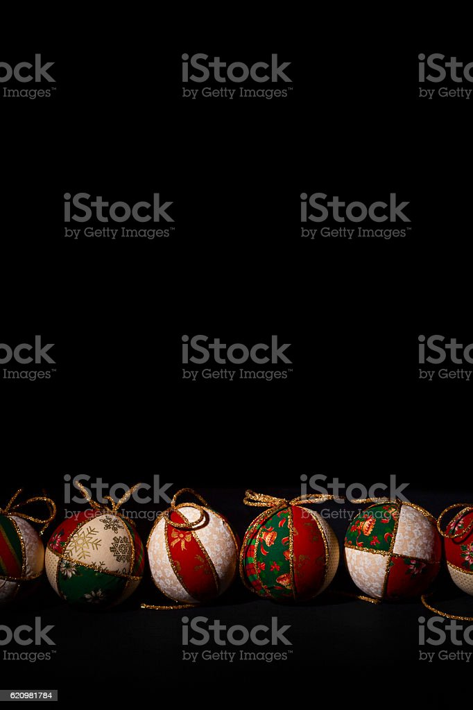 christmas balls on black background foto royalty-free
