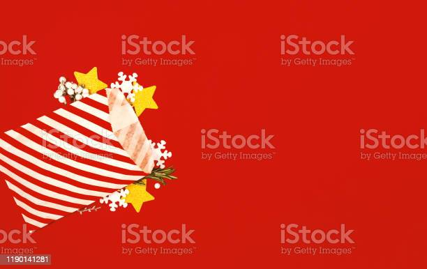 Christmas banner with gift bag and decorations picture id1190141281?b=1&k=6&m=1190141281&s=612x612&h=1mtfsn9xwvfgx4wxpyvtr8fspnnr0zb2de la0eaoye=