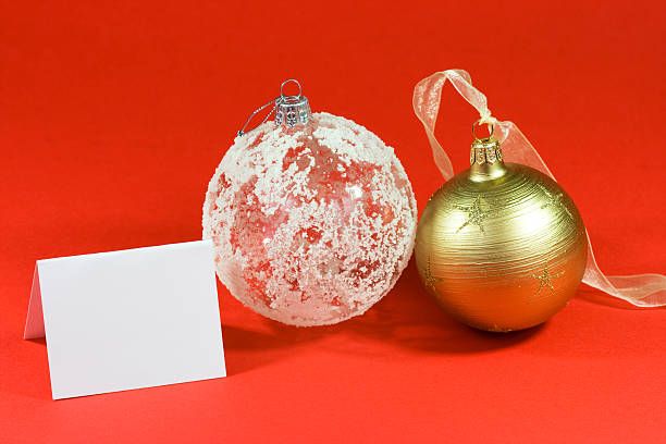 bolas para árvore de natal com cartão em branco - gradients golden ribbons imagens e fotografias de stock