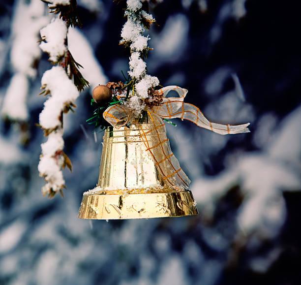 Christmas Bell auf den Pine Tree – Foto