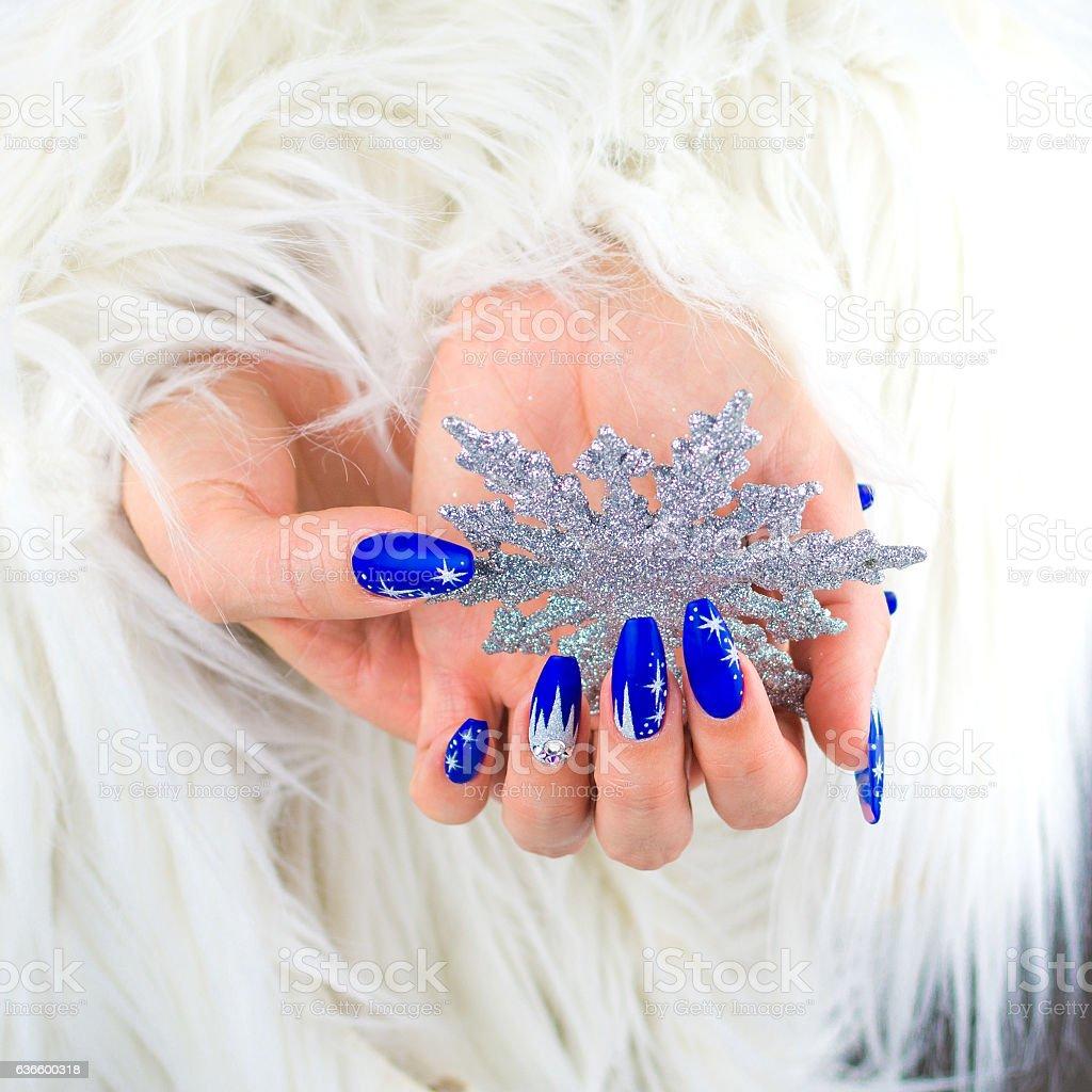 Christmas blue nails - foto de acervo