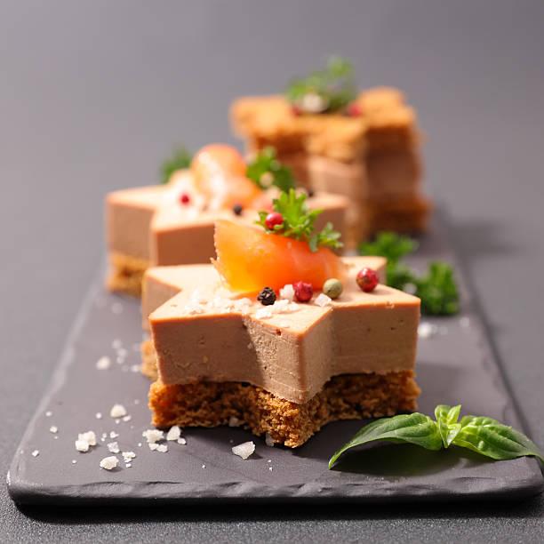 canapé de noël - foie gras photos et images de collection