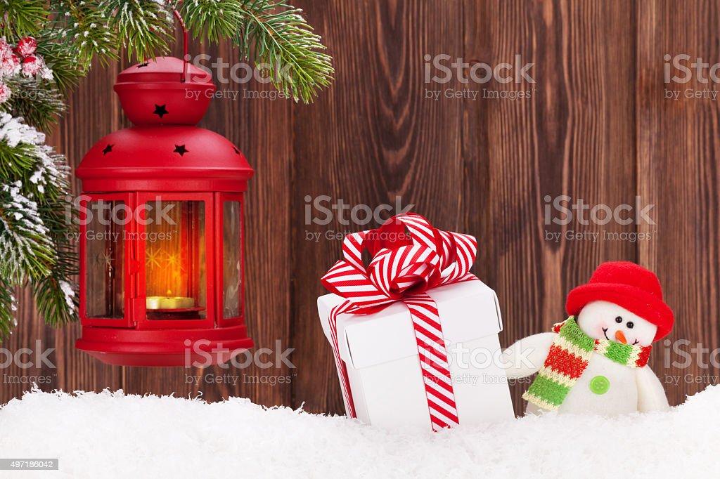 Decorare Candele Di Natale : Lanterna di natale con candele scatola regalo e pupazzo di neve