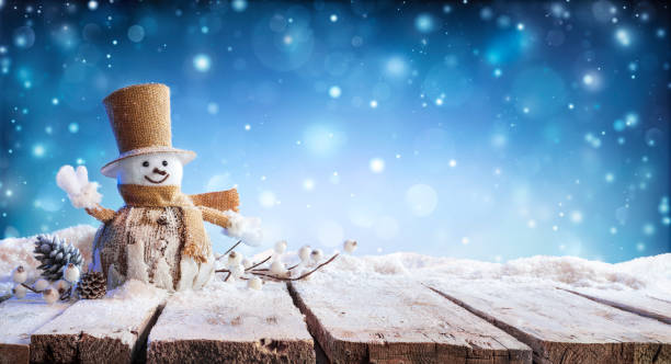 Christmas card winter incoming snowman on table picture id1179552194?b=1&k=6&m=1179552194&s=612x612&w=0&h=zwvpxf0mmibvidi3invny3uccglyvwvj4wsd k64eae=