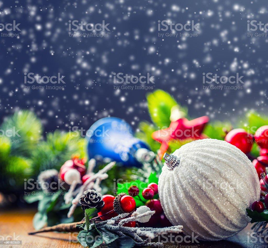 Immagini Di Natale Glitter.Cartolina Di Natale Con Palla Di Abete E Decorazioni Su Sfondo Glitter Fotografie Stock E Altre Immagini Di 2015