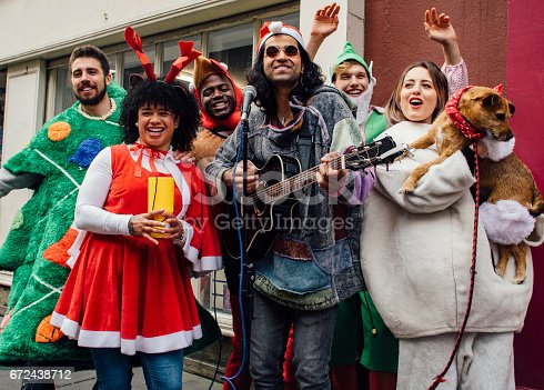 istock Christmas Charity Buskers 672438712