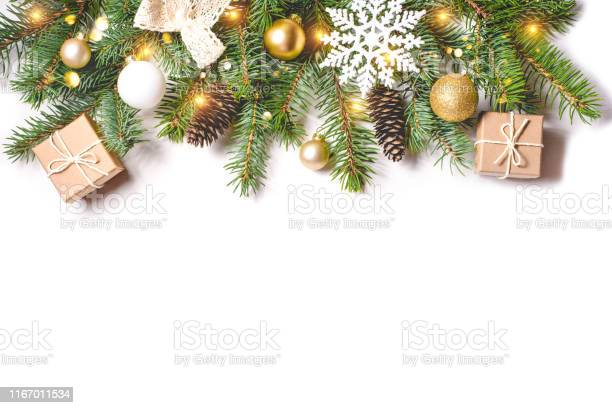 Christmas composition on white background picture id1167011534?b=1&k=6&m=1167011534&s=612x612&h=vz61cjaor6a3u0ffmqiq 0c51fnhkb5paytndtbbxi4=