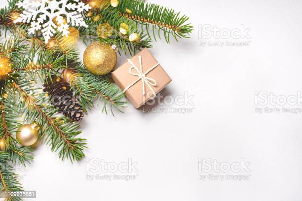 Christmas composition on white background picture id1169635851?b=1&k=6&m=1169635851&s=612x612&h=wvop8i40vxdf02xvqrvg2yzfsec45tjaiuoxd9sa lu=