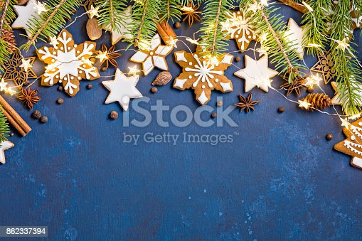 istock Christmas Cookies Border Background 862337394