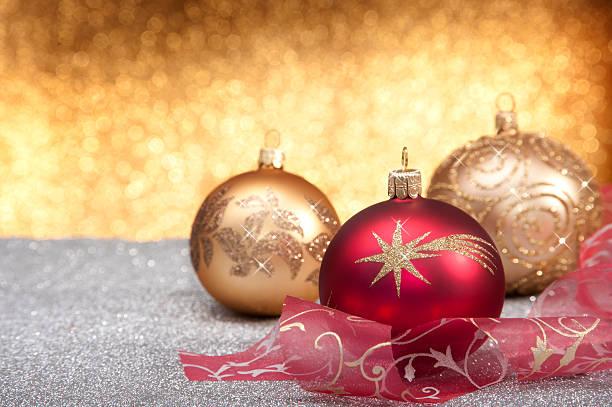 decoração de natal de ouro e vermelho - gradients golden ribbons imagens e fotografias de stock