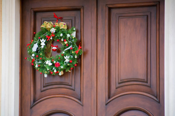 Top 60 Christmas Wreath Garland On An Old Rustic Barn Door