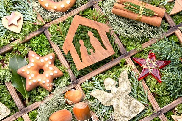 weihnachtsdekoration - sternmoos stock-fotos und bilder