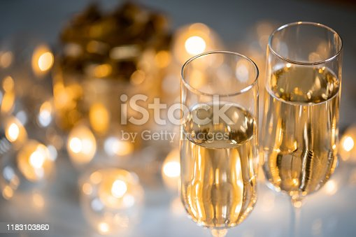 Christmas decoration with glasses of champagne