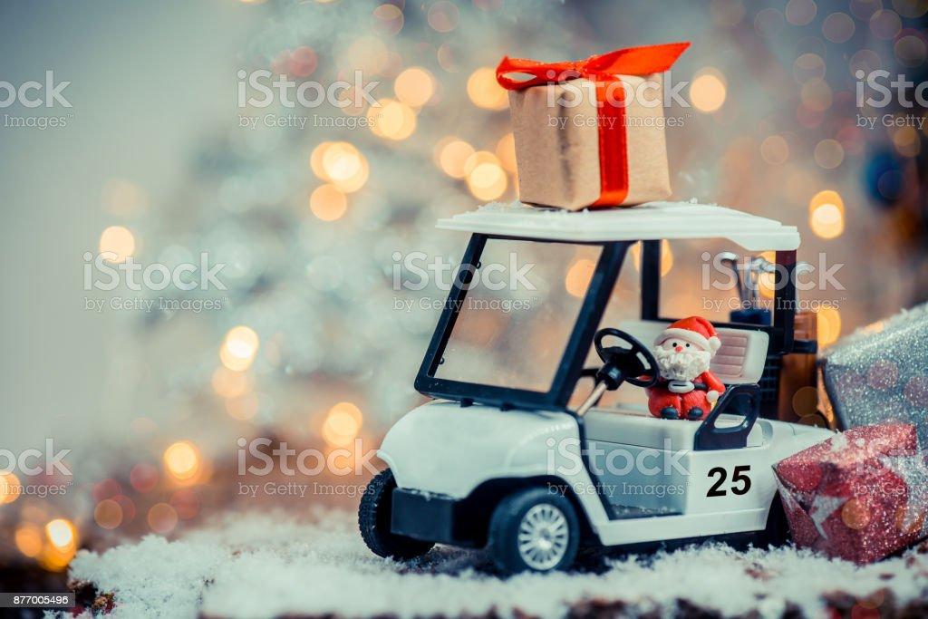 Décoration de Noël avec la voiture de golf sur décembre - Photo