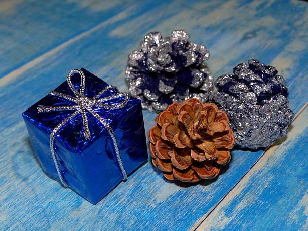 weihnachtsdekoration  - weihnachtsspende stock-fotos und bilder