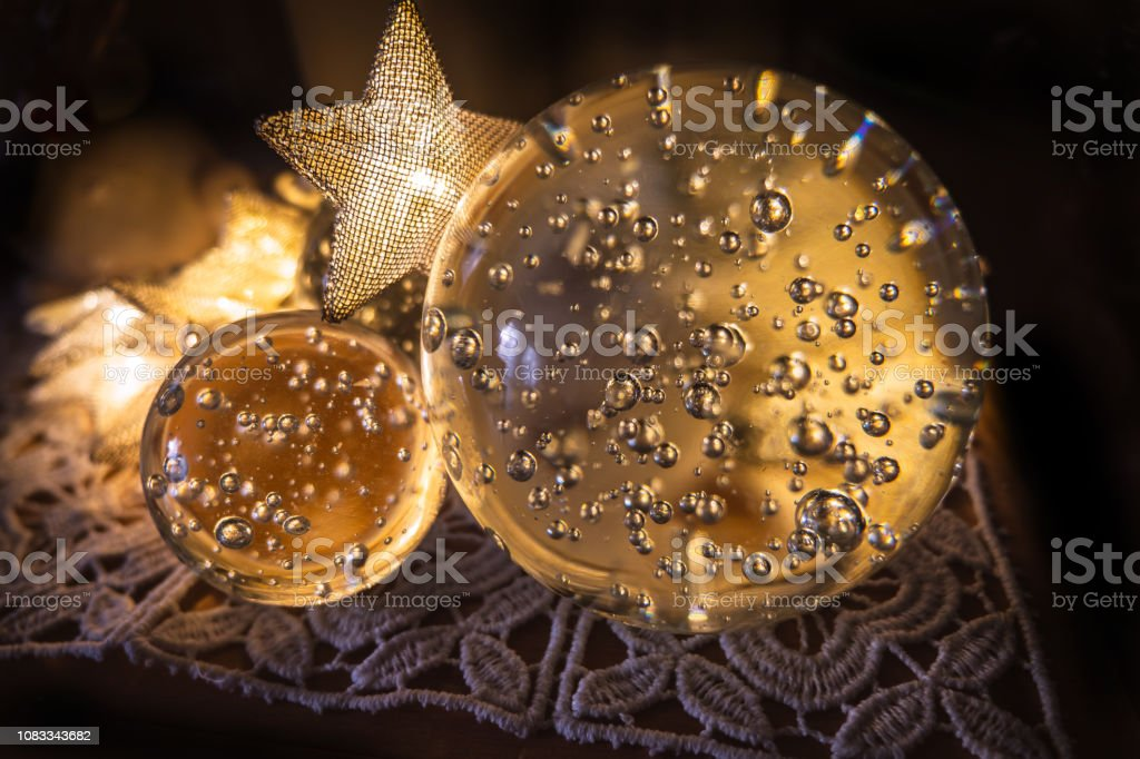 0562 Weihnachtsschmuck glänzen mit Glaskugeln mit Luftblasen – Foto