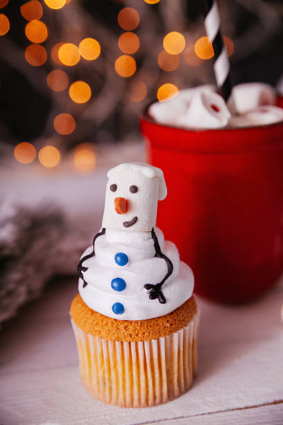 weihnachten dessert - heiße schokoladen cupcakes stock-fotos und bilder