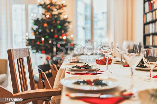 festive decorated christmas dining table
