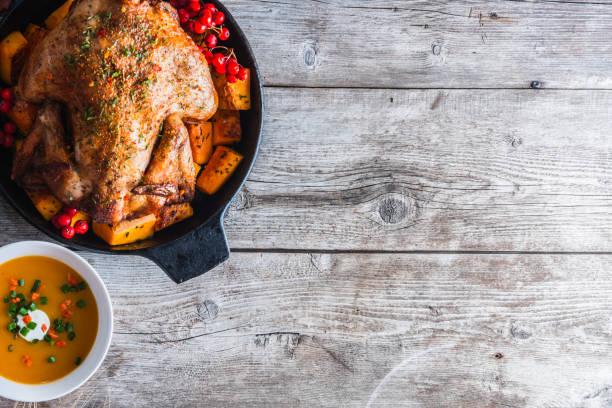christmas dinner - turkey zdjęcia i obrazy z banku zdjęć